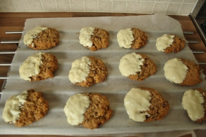 Cranberry-pecan Oatmeal cookies with white chocolate