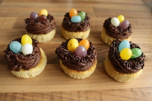 Recipe: Cute Easter Bird nest Cupcakes